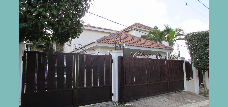 Vendo Casa con Piscina Cerca del HOMS