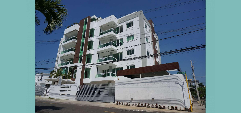 Vendo Apartamento en 3er Nivel de Moderna Torre