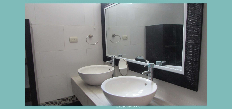 baño principal Lavamanos