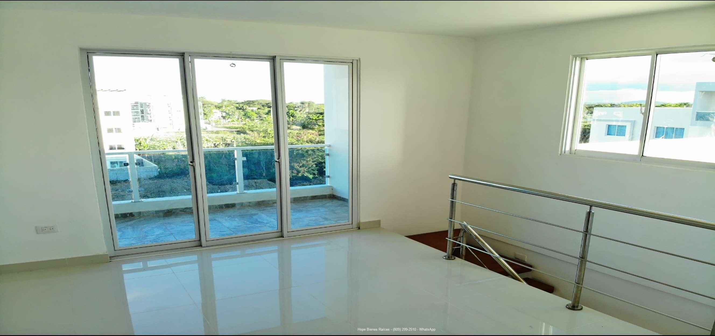 8-Penthouse con Balcón