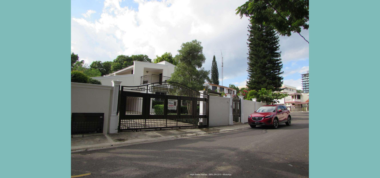Alquilo Casa en Reparto Universitario