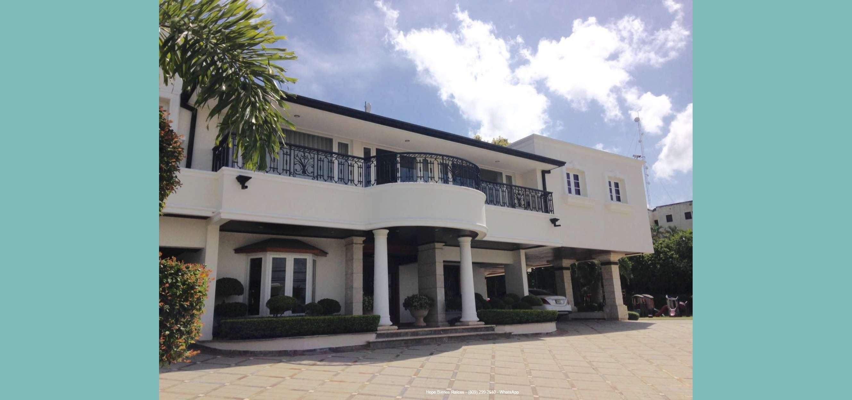 Vendo Suntuosa Residencia con 1924 m2 Solar