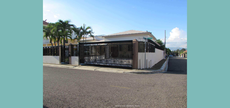 Vendo Casa en Ubicación Céntrica de Santiago RD