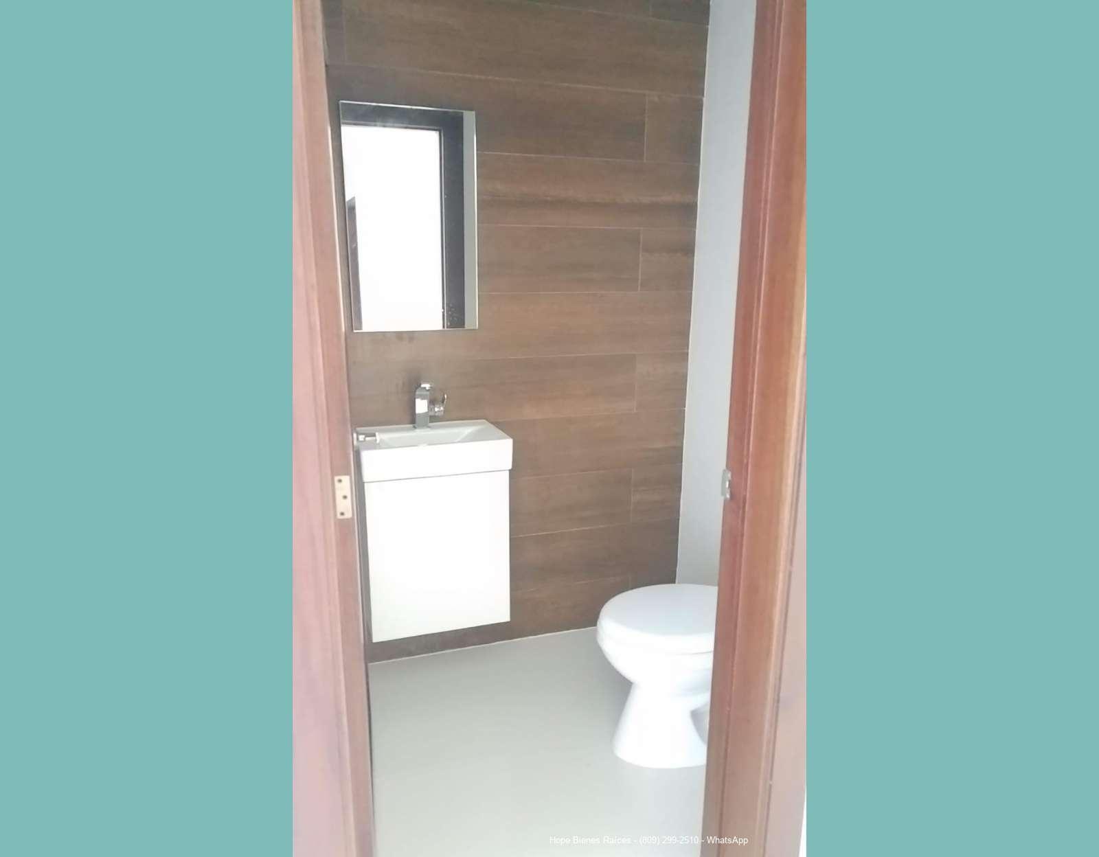 4-Medio baño