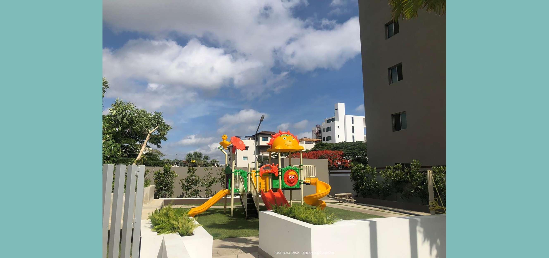 5-Área de juegos infantiles