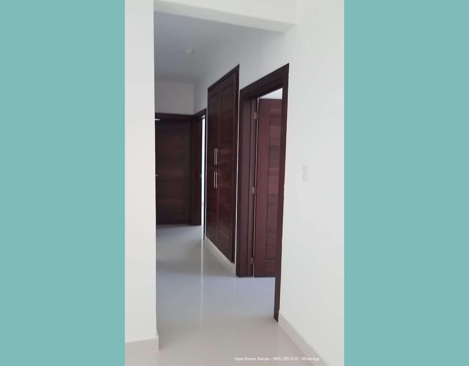 Pasillo a habitaciones