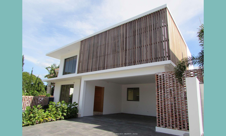 Vendo Suntuosa Casa en Complejo Con Garita