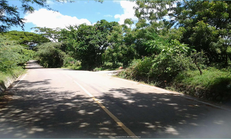 Acceso asfaltado