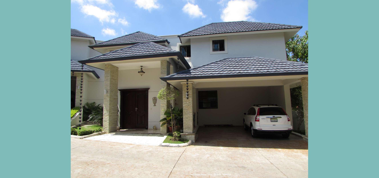 Vendo Casa en Complejo Cerrado Cerca del HOMS
