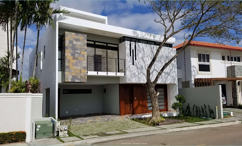 Vendo Moderna y Minimalista Residencia en Santiago RD