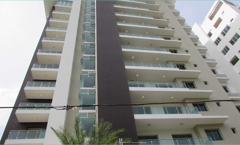 Alquilo Apartamento en Torre en La Esmeralda